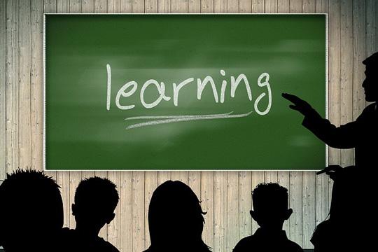 5bc7518f02e3652f2054a794_640_classroom